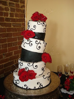 black-white-topsy-turvy-wedding-cake