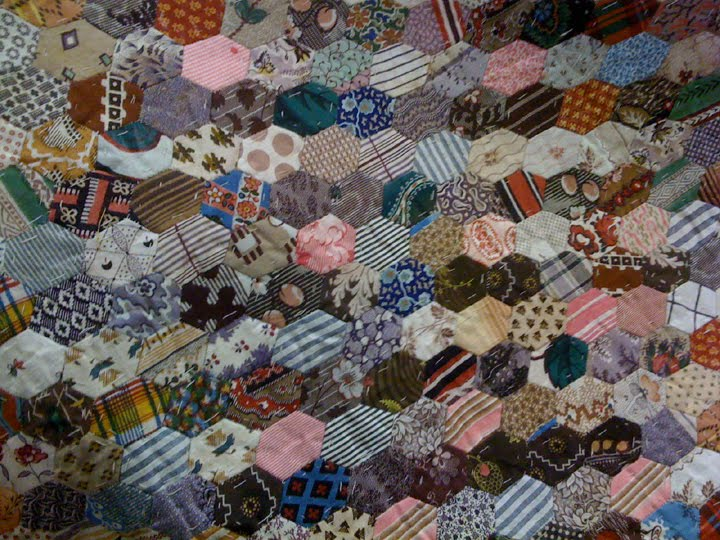 english paper piecing history Code: b1234 isbn: 9781604683653 author: vicki bellino in this follow-up to her best-selling book english paper piecing, vicki bellino presents a the history of paper piecing goes back to the early 1700s at least and is a method which eliminates stretching and distortion along bias edges of small cut.