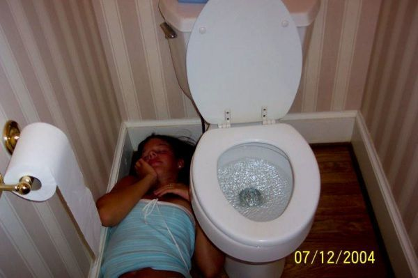 Passed Out Drunk Girls Pictures16