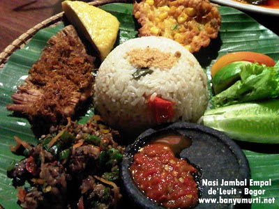Kuliner 130 - Sensasi Nasi Jambal de'Leuit, Bogor