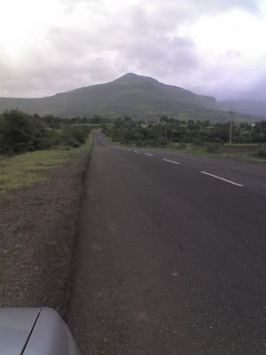 The drive to Malshej ghat was equally enthralling। We could not help