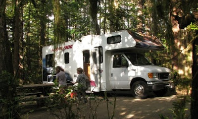 Vores autocamper på Green Point campingpladsen i Pacific Rim National Park, Vancouver Island, Canada