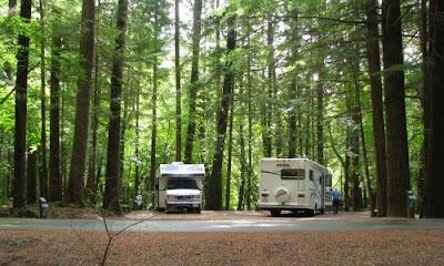 Camping med autocamper i Alice Lake Provincial Park, British Columbia, Canada