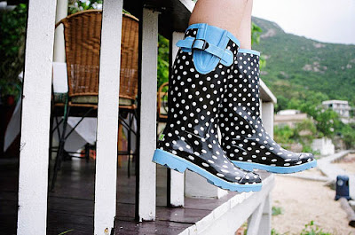stylish rain boots plueys