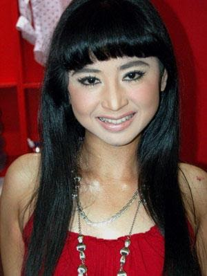 Beauty Actress Indonesia: Dewi Persik