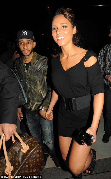 alicia keys dating list Grammy winner alicia keyes was her high school valedictorian (at age 16) and briefly attended columbia university before dropping out to pursue music full-time.