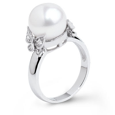 Laura's Fresh Water Pearl Ring