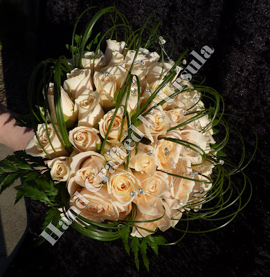 Cream Roses With Spear Grass Bouquet