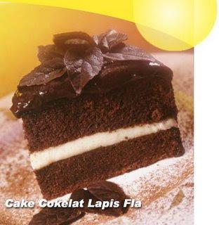 ... coklat nah ini lebih enak lagi yaitu cake coklat lapis vla lapisan vla