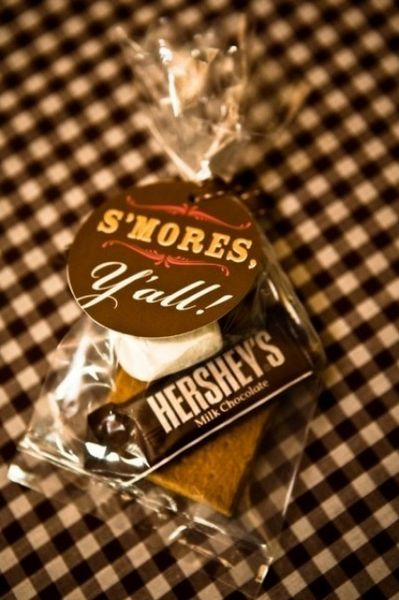 THE BUDGET BRIDES HANDBOOK: S'mores Wedding Day Favors in ...