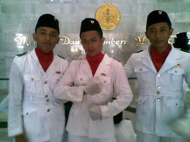 3 pengibar Institu Pertanian Bogor
