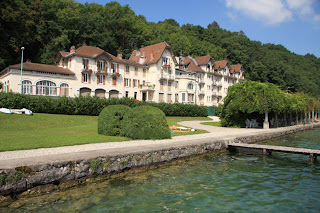 Location appartement sur le lac d 39 annecy hot l beau rivage for Exterieur plus sevrier