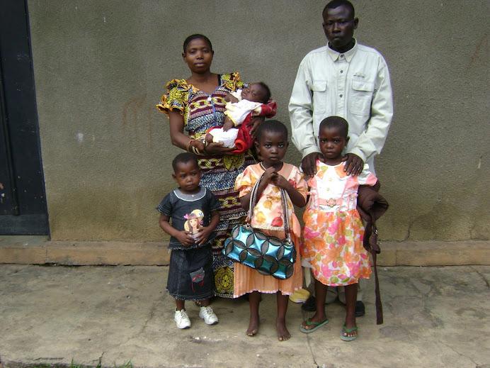 Nouvelle naissance dans la Famille de l'Etudiant Louis NKIYOLA