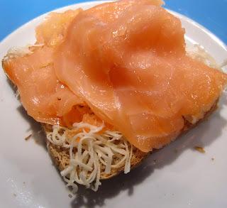 salmon toast (onemorehandbag)