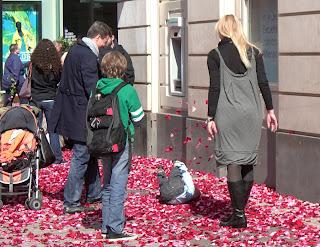 für mich soll's rote rosen regnen (onemorehandbag)
