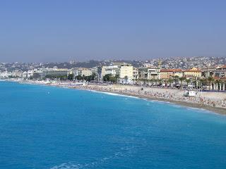 Nice beach (onemorehandbag)