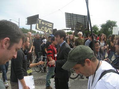 John oliver of the daily show at pittsburgh g20 protest