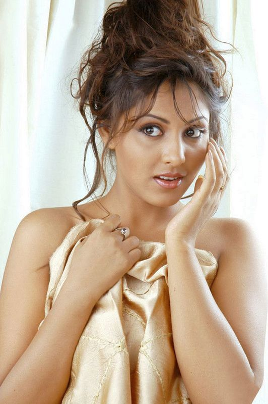 Madhu Shalini, Tollywood and kollywood actress, photo gallery