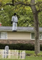 Wake up America: Are Hanging Halloween Displays Racial Or Just ...