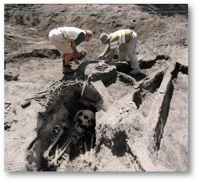 Foto Fosil Manusia Raksasa (aneh aneh ajaib langka) ~ b