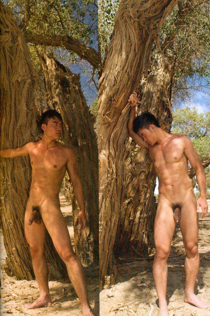 2 boy châu á khoe cặc giữa rừng và giữa xa mạc Chineseoutdoorsx05