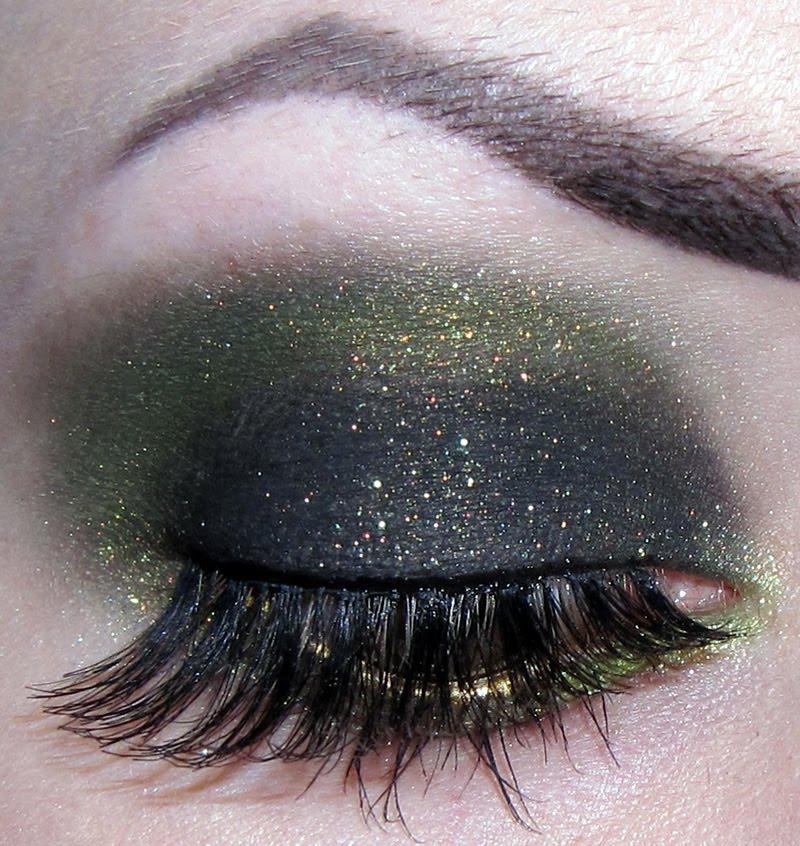 smokey green eye makeup. smokey green eye makeup.