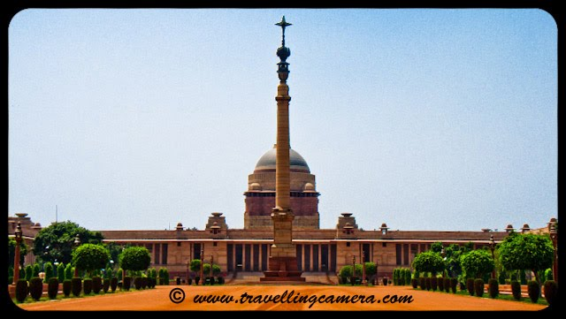 Indian President's House @ Delhi: Rashtrapati Bhavan is the official residence of the President of India, located in New Delhi, Delhi, India. Until 1950 it was known as Viceroy's House and served as the residence of the Viceroy of India. It is at the heart of an area known as Lutyens' Delhi. It is the largest residence of any Head of the State in the world.VJ, ripple, Vijay Kumar Sharma, ripple4photography, Frozen Moments, photographs, Photography, ripple (VJ), VJ, Ripple (VJ) Photography, VJ-Photography, Capture Present for Future, Freeze Present for Future, ripple (VJ) Photographs , VJ Photographs, Ripple (VJ) : President, India, Architecture, Delhi, Colorful, Journey, Main Tourist Places, : The main entrance to Rashtrapati Bhavan is known as Gate 35, and is located on Prakash Vir Shastri Avenue, renamed from North Avenue in November 2002, as a memorial to the politician of the namesake who served here during his tenure as a Member of Parliament for the state of Uttar Pradesh.