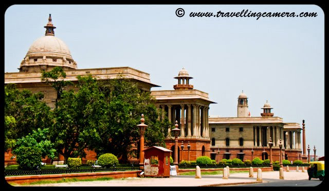 Indian President's House @ Delhi: Rashtrapati Bhavan is the official residence of the President of India, located in New Delhi, Delhi, India. Until 1950 it was known as Viceroy's House and served as the residence of the Viceroy of India. It is at the heart of an area known as Lutyens' Delhi. It is the largest residence of any Head of the State in the world.VJ, ripple, Vijay Kumar Sharma, ripple4photography, Frozen Moments, photographs, Photography, ripple (VJ), VJ, Ripple (VJ) Photography, VJ-Photography, Capture Present for Future, Freeze Present for Future, ripple (VJ) Photographs , VJ Photographs, Ripple (VJ) : President, India, Architecture, Delhi, Colorful, Journey, Main Tourist Places,: There is Mughal Garden in Rashtrapati Bhavan which displays numerous types of flowers and is open to public in February every year. I had planned to visit the same this year and failed to execute those plans