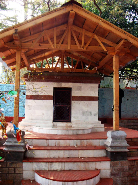 MUKTESHWAR & NAINITAAL: ukteshwar Temple is at an altitude of 2,315 m and can be approached by stone stairs. The temple is dedicated to Shiva and has a lingam made of white marble. The idols of Brahma, Vishnu, Parvati, Ganesh, Nandi and Hanuman surround the lingam.