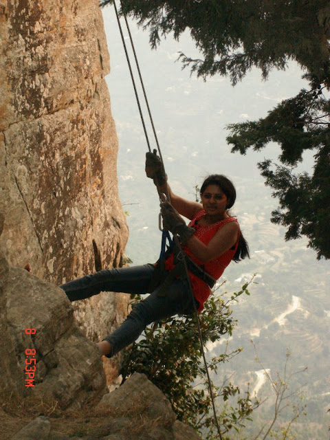 MUKTESHWAR & NAINITAAL: Rappling @ Chauli ki Jaali, Muktesahwar