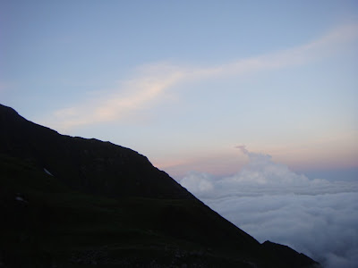 Posted by Ripple (VJ) : Clouds in early morning @ Shrikhand Mahadev