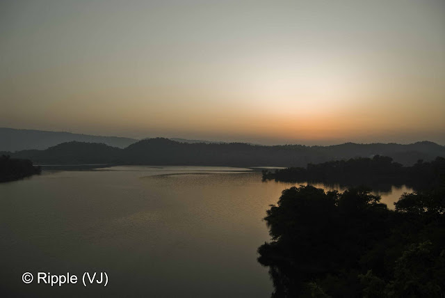 Posted by Ripple (VJ) : Govind Sagar Lake @ Lathiani, UNA, Himachal Pradesh: Govind Sagar view after Sunset @ Lathiani, UNA (Himachal Pradesh)