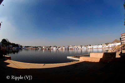 Posted by Ripple(VJ) : Glimpses of Pushkar-Ghats around Puhkar-Lake during Camel Fair-2008 (Pushkar Lake is actually surrounded by different Ghats/Temples... ):: Complete View of Puskar Lake...
