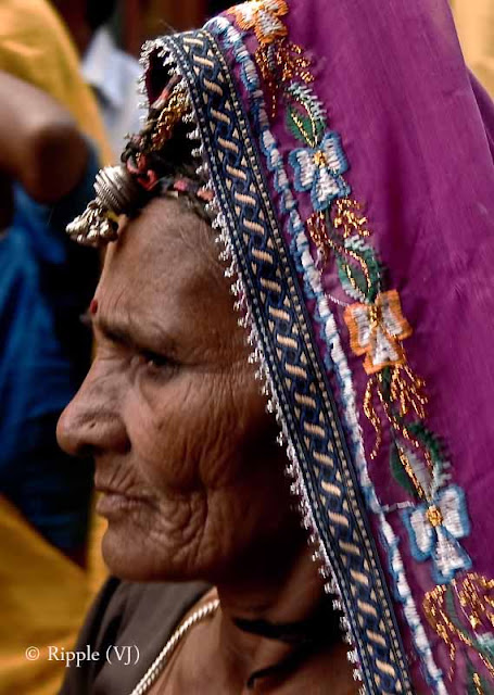 Posted by Ripple (VJ) : Padharo Mhare Desh : Rajasthan, INDIA : Showcasing the original Rajasthani Ghaghra...