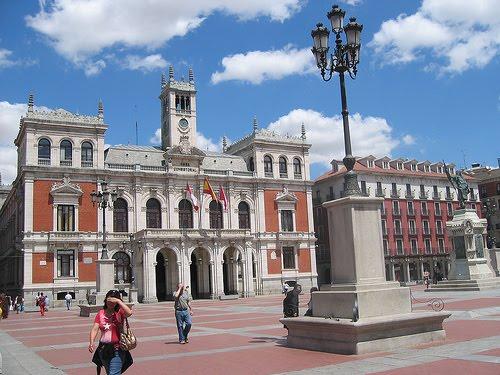 [927a3_plaza-mayor-de-valladolid.jpg]