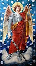Michał Archanioł stojący w gotowości do walki duchowej z szatanem
