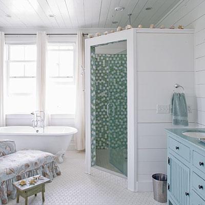 Sense and simplicity colours that go with seafoam aqua for Sea green bathroom ideas