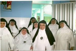 Algumas das Monjas da comunidade