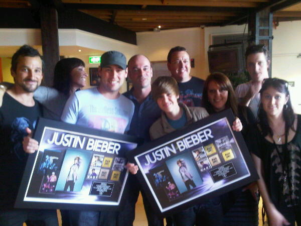 Justin Bieber Receives Gold Plaque in Australia