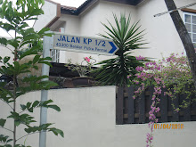 Turn Right into JALAN kP1/2 and look for number 41