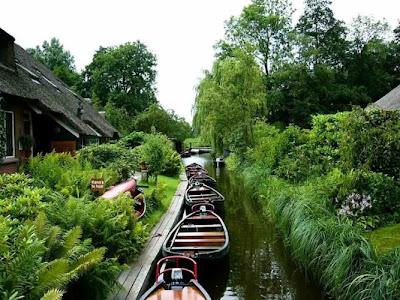 Hollandada Bir köy :) Yaşanılası Yer...