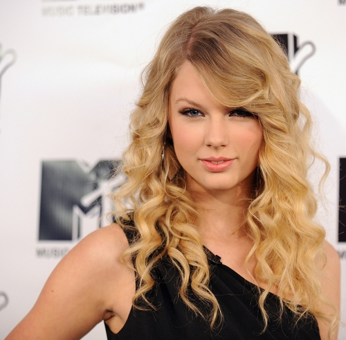 taylor swift hair love story. taylor swift love story