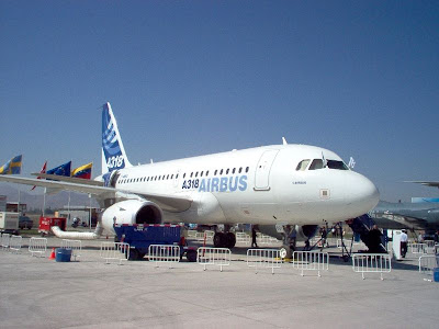 Airbus A318 photo image 1