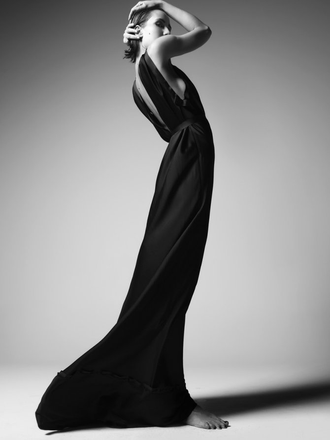 Black and white fashion photography by renam christofoletti