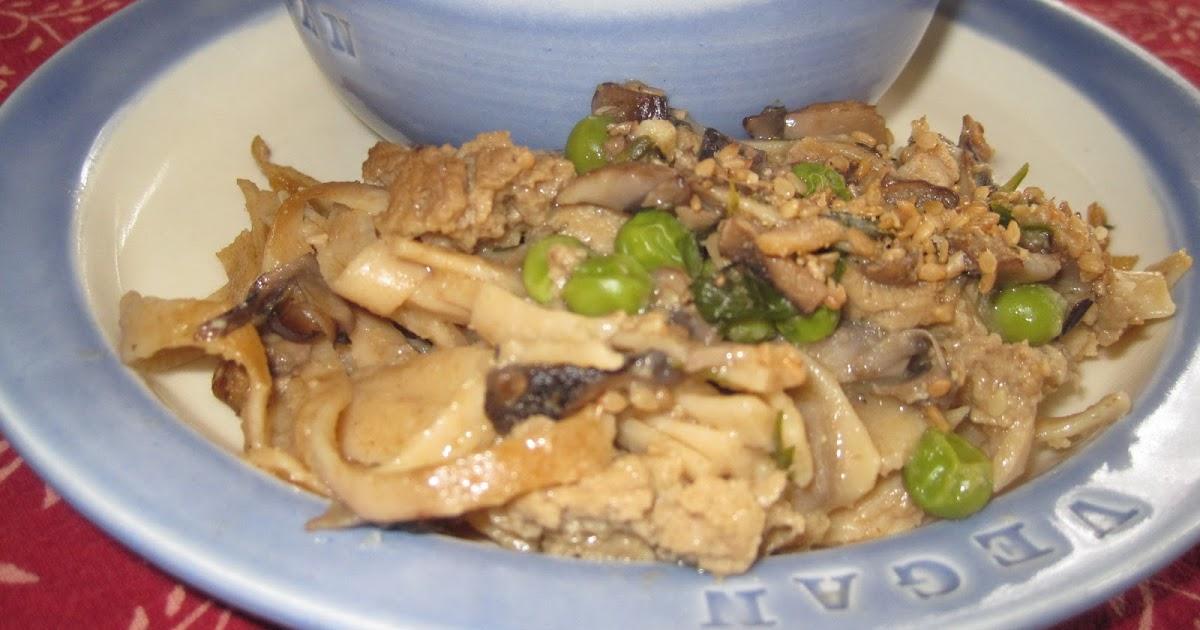 Vegan Linda: Seitan Noodle Casserole and Broccoli Soup