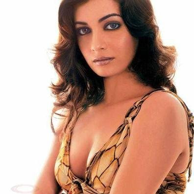 full name is diya mirza handrich she was 1st runner up in miss india