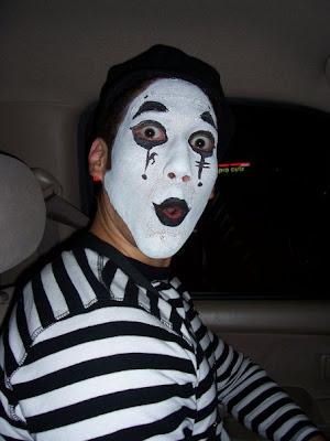 Mimes, AHHH!! GET AWAAAAY!!
