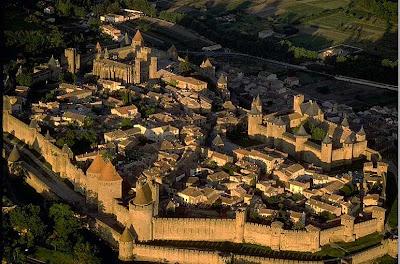 http://1.bp.blogspot.com/_Y4i6ql4K56k/TLHkwLlpepI/AAAAAAAAAJY/7z-fpxMeOsk/s1600/CarcassonneFrance.jpg