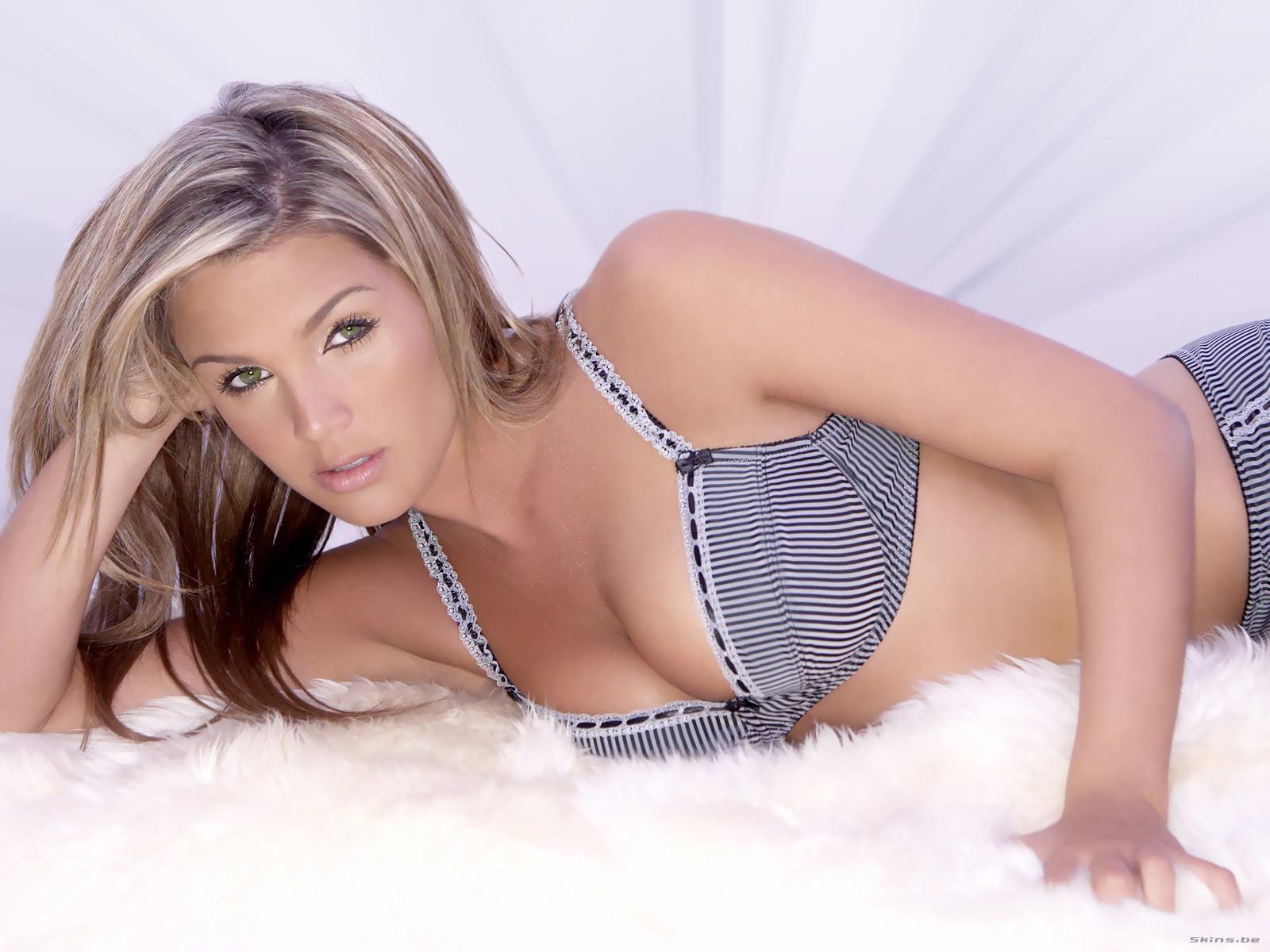 http://1.bp.blogspot.com/_Y5-4Z4aPcOI/TUFgzf_DIrI/AAAAAAAAA2E/aNNCj--8Wa8/s1600/Danielle+Lloyd+-+freehd.blogspot+%25281%2529.jpg