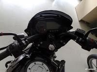 Pulsar 220 DTS-i with Bikini Fairing- Speedo